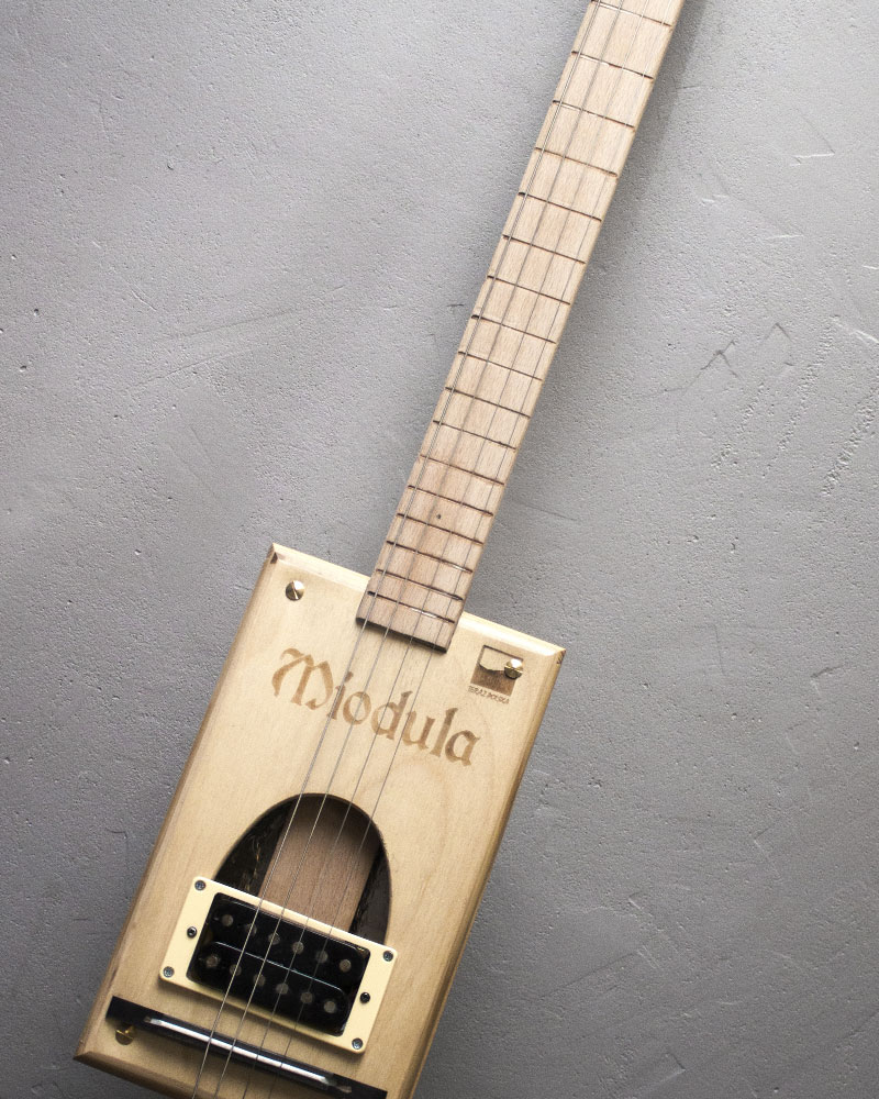 Cigarbox Guitar